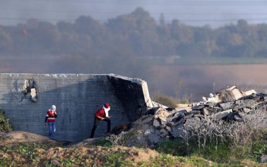 Prieš JAV ambasados Izraelyje perkėlimą atsinaujino susirėmimai Gazos Ruožo pasienyje