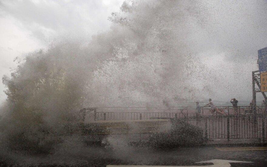 Filipinams per Kalėdas smogęs taifūnas pareikalavo mažiausiai keturių gyvybių