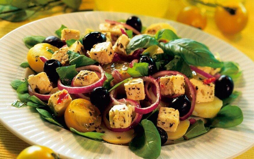 Daržovių ir fetos sūrio salotos