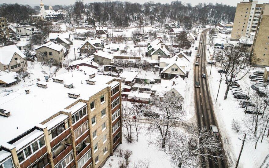 Sniegas yra ne toks jau nekaltas: kokiais atvejais jis gali sulaužyti jūsų stogo konstrukciją