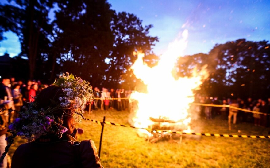 Midsummer festival symbolizes bond between Baltic and Nordic peoples, president says