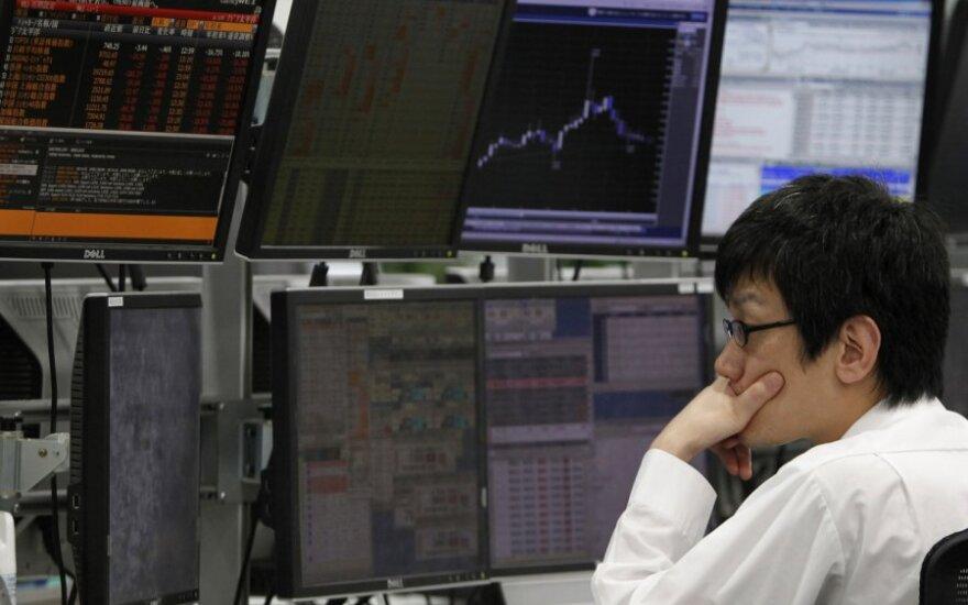 Auganti geopolitinė rizika toliau alina pasaulines akcijų rinkas