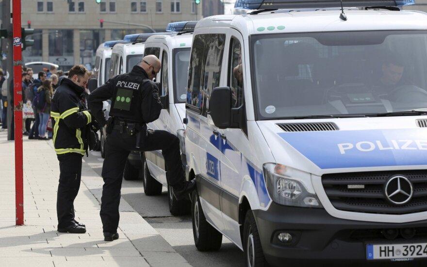 Hamburgo metropoliteno stotelėje mirtinai subadyti du žmonės