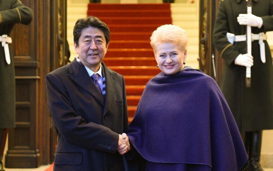 Shinzo Abe and Dalia Grybauskaitė