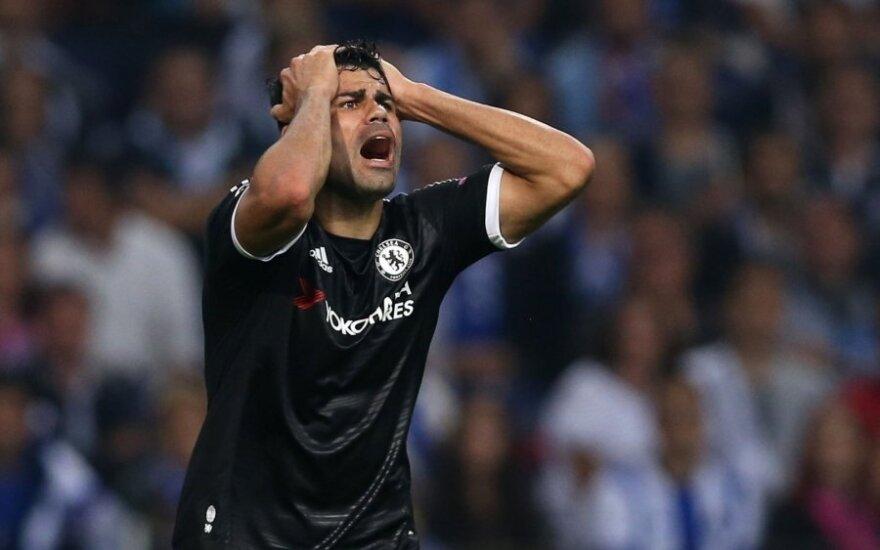 """Čempionų lygoje – antausiai anglams, R. Lewandowskio įvarčiai ir sunki """"Barcos"""" pergalė"""