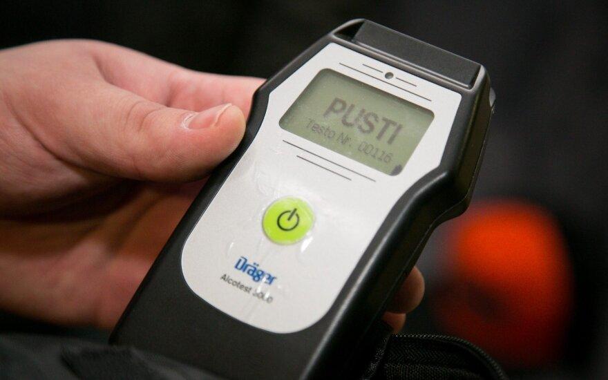 Specialistas: dėl 0,4 promilių ribos vairuotojai praranda kontrolę