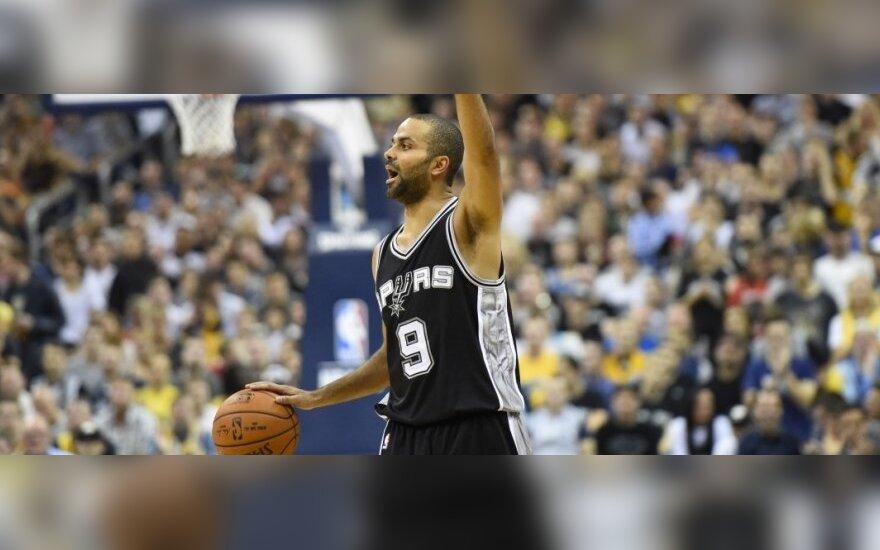 """NBA čempionai atsitiesė palauždami """"Fenerbahce Ulker"""" komandą"""