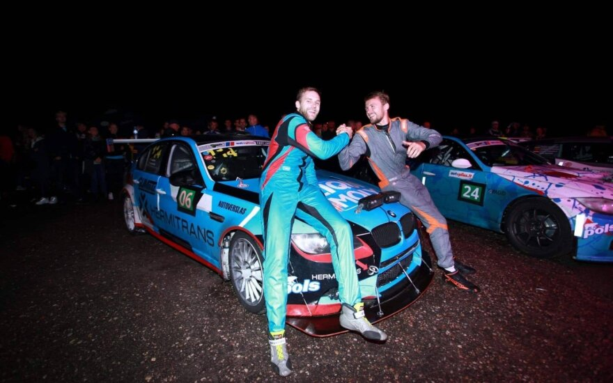 "Naktines ""Autoplius.lt Fast Lap"" lenktynes laimėjo ""Hermitrans"" komanda"