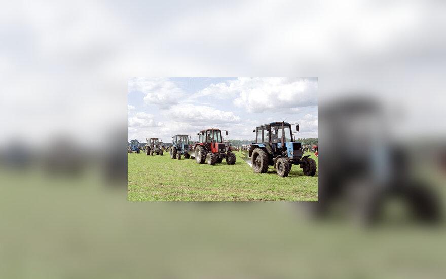 Artojai, traktoriai, kaimas, žemės ūkis, žemė