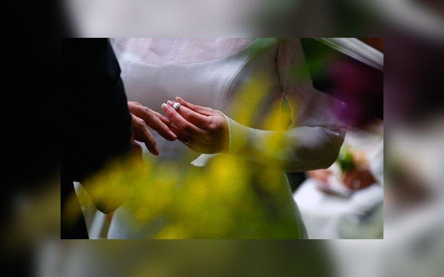 Ar reikia iš naujo registruoti santuoką, jeigu prieš 20 metų tuokeisi tik bažnyčioje?