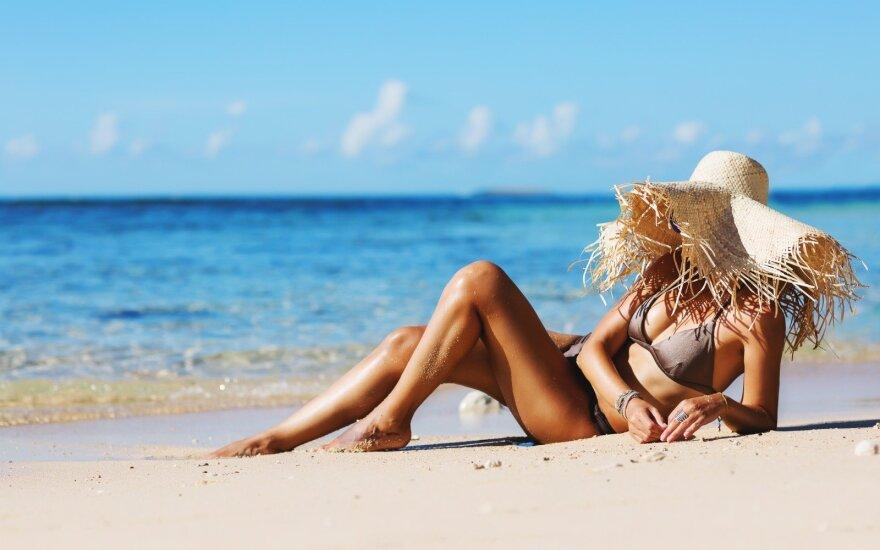 Saulė, moteris, degintis, paplūdimys