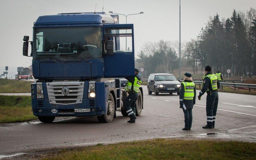 Dvi naktis laukia eismo ribojimai dėl vežamo didžiulio krovinio iš Klaipėdos