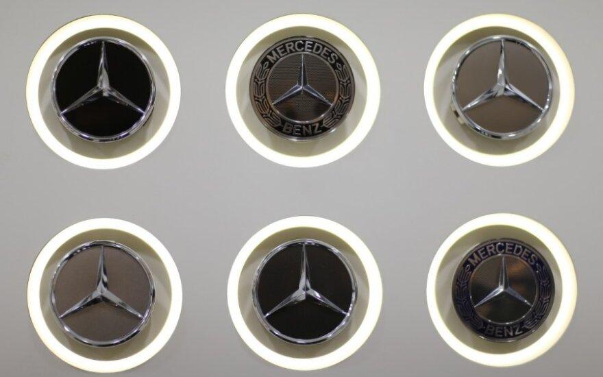 Mercedes-Benz stendas