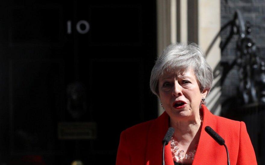 Theresa May paskelbė savo pasitraukimo datą