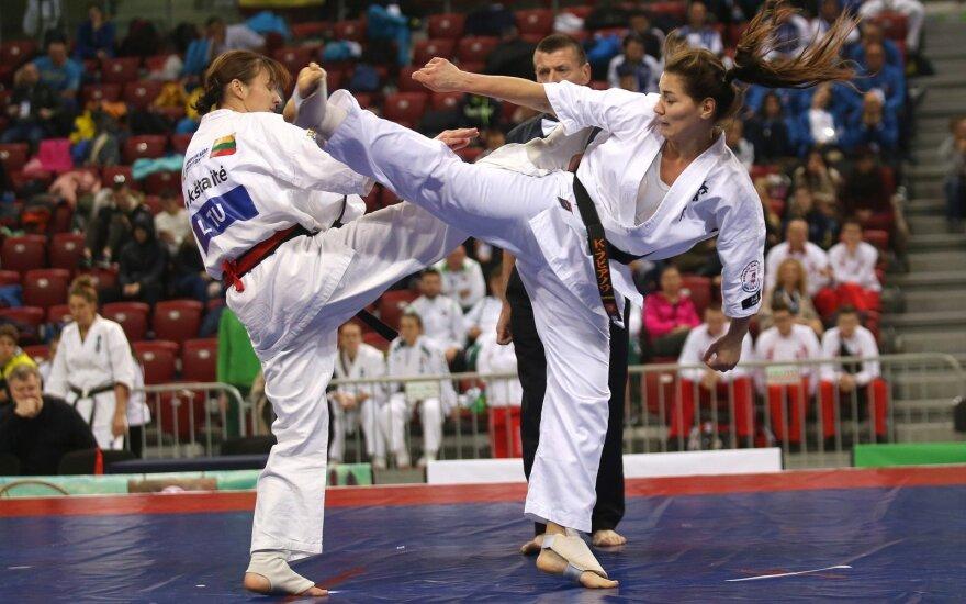 Inga Mikštaitė (kairėje)