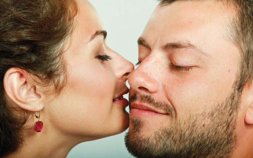 Etiketo taisyklės, kurių gėda nežinoti: kas moka už kavą ir kada jau galima bučiuotis