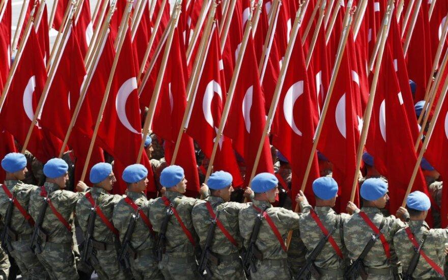 """Turkija dėl kampanijos draudimo Vokietiją kaltina """"demokratijos stygiumi"""""""