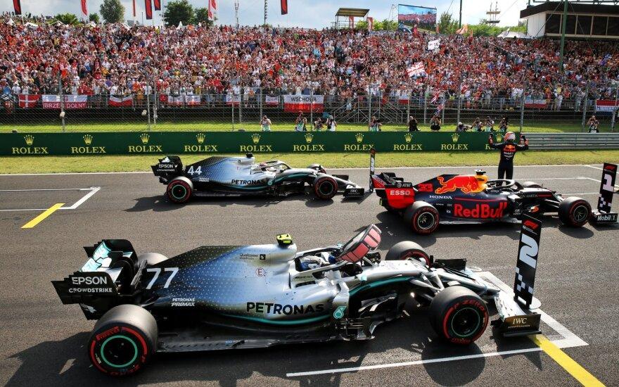 """Verstappenas pirmą kartą karjeroje """"Formulės-1"""" etapą pradės pačiame priekyje"""