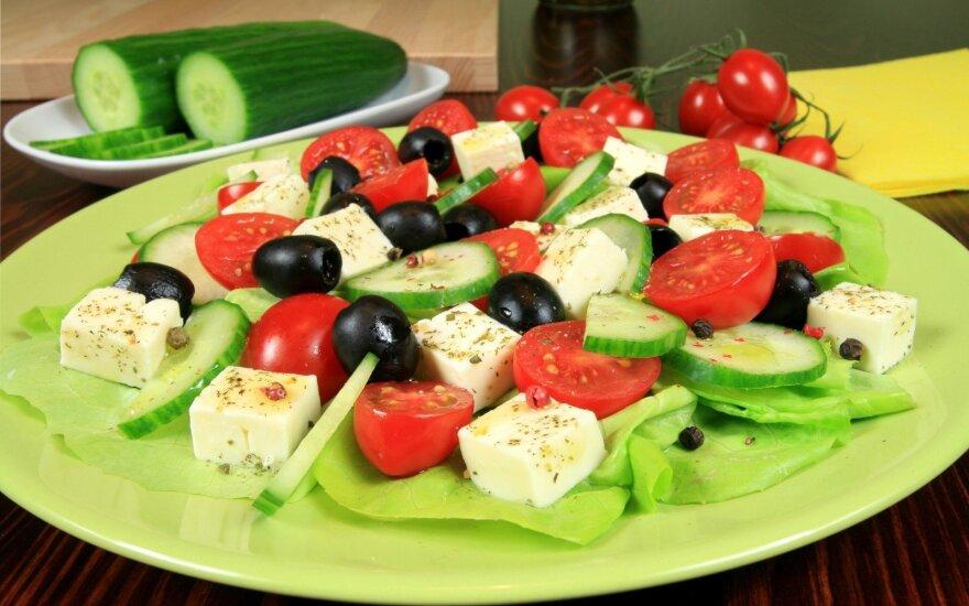 Pomidorų ir agurkų salotos kitaip