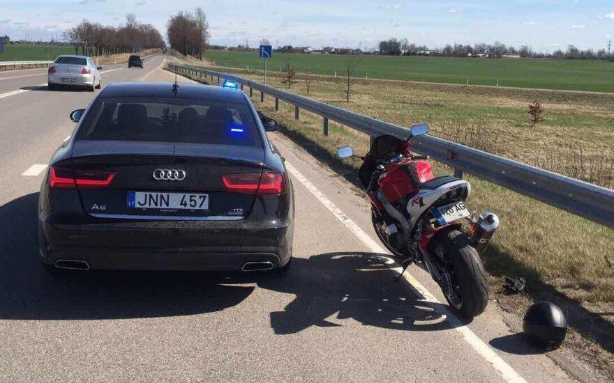 Marijampolės apskrityje pagautas neturintis teisės vairuoti ir greitį viršijęs motociklininkas