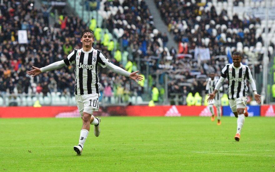 """Higuainas vėl neįmušė 11 m baudinio, bet """"Juventus"""" sprunka nuo """"Napoli"""""""