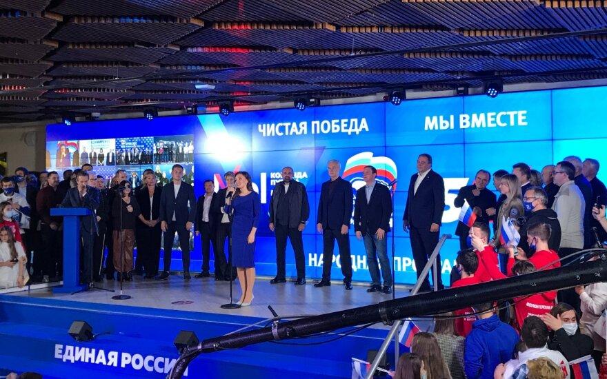 """Rusijos Dūmos rinkimai: Putiną remianti """"Vieningoji Rusija"""" išlaikys daugumą"""