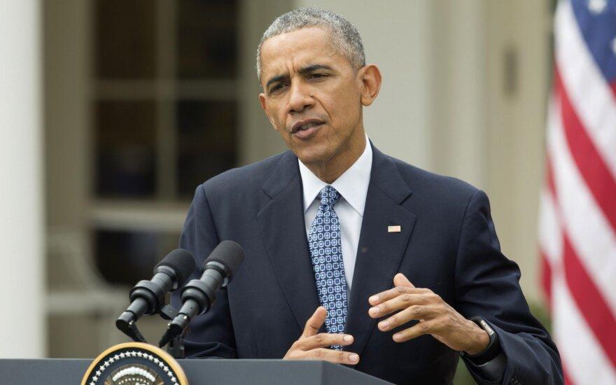B. Obama teigia: debatai dėl ginklų privalo keistis