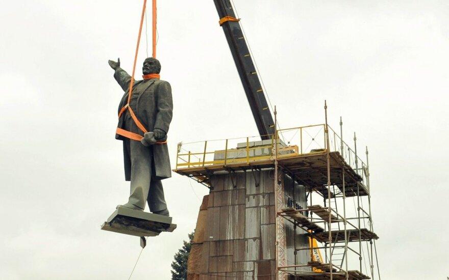 Zaporožėje nugriautas Lenino paminklas