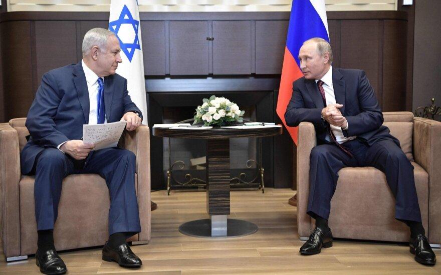 Netanyahu ir Putinas telefonu aptarė padėtį Sirijoje ir planuojamą JAV karių išvedimą