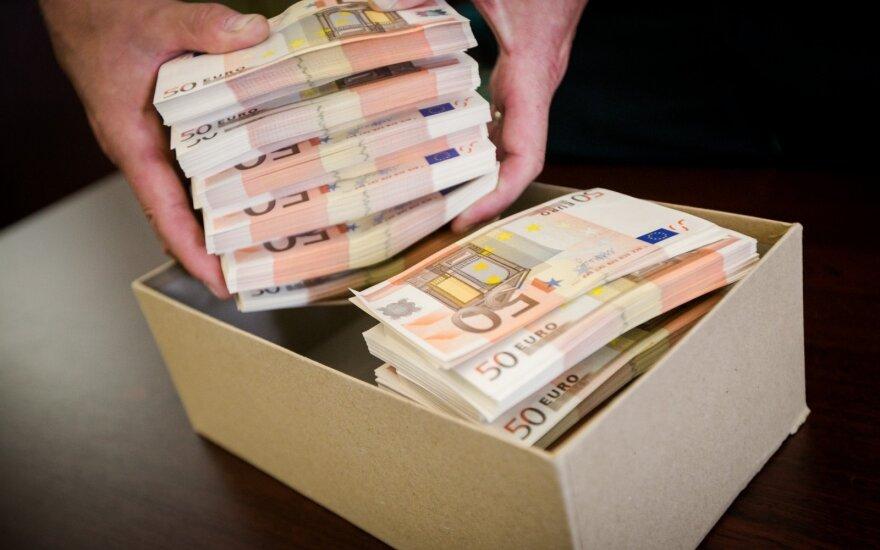 Įmonei grąžinti apgaule išvilioti 150 tūkst. eurų