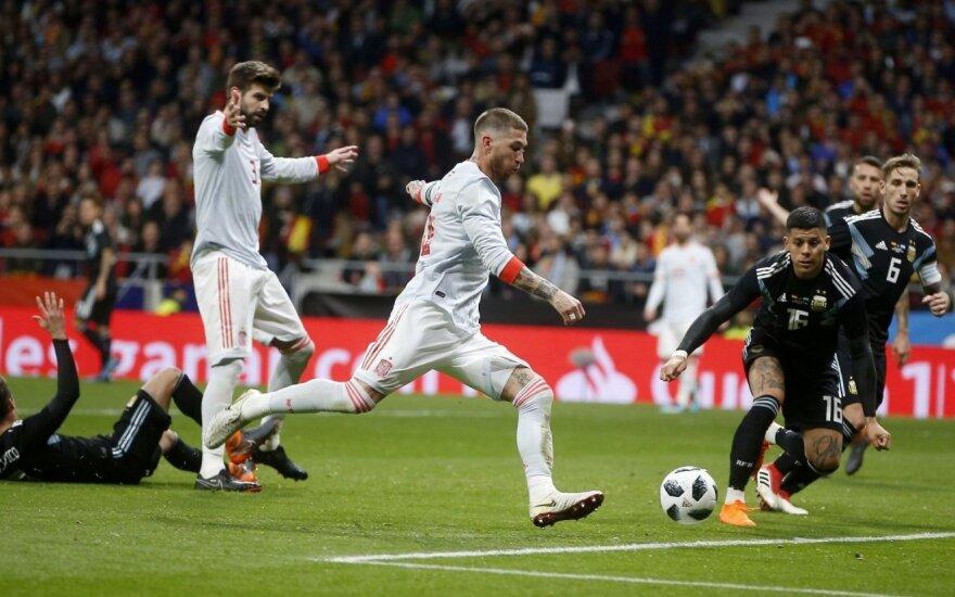 Brazilai parklupdė pasaulio čempionę Vokietiją, o ispanai net 6:1 pažemino Argentiną
