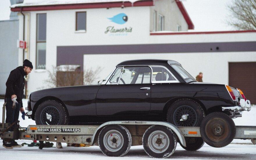 """Karolis Raišys istoriniame Monte Karlo ralyje važiuos """"MGB Roadster"""" automobiliu"""