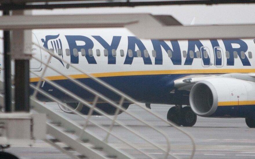"""""""Ryanair"""" siūlo naujovių, padėsiančių keliauti paprasčiau"""