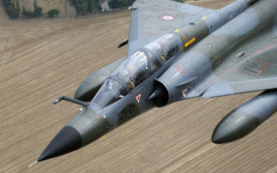 Turkijos karo lėktuvus mėginęs perimti Graikijos naikintuvas nukrito į Egėjo jūrą