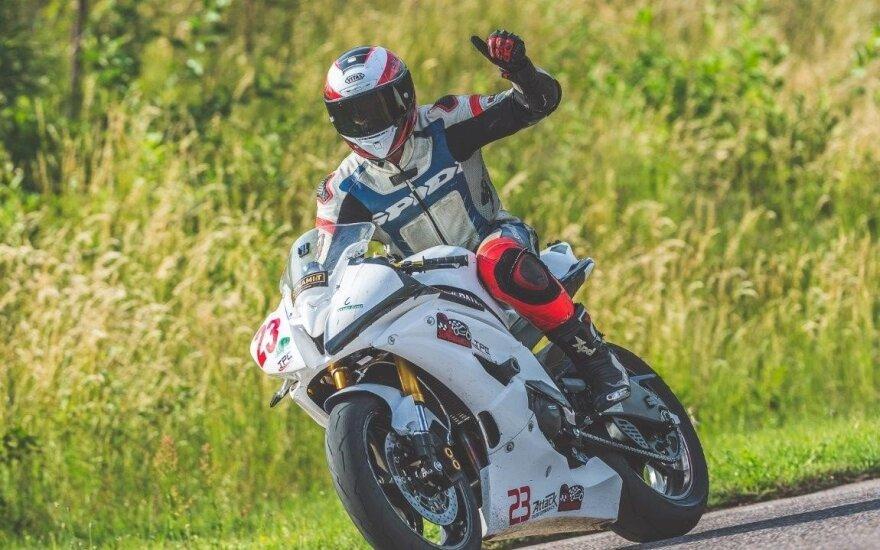 Įpusėjo motociklininkų sporto sezonas
