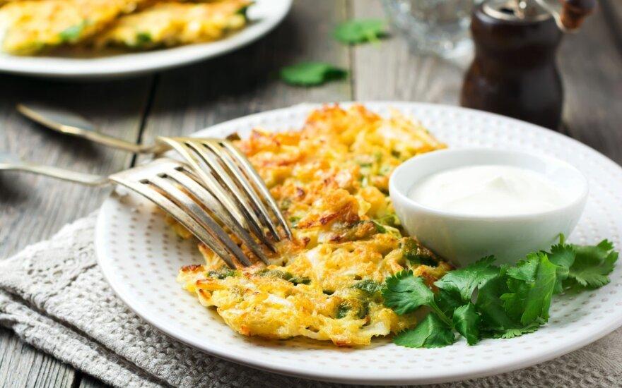 Traškūs bulvių blynai su špinatais ir sūriu