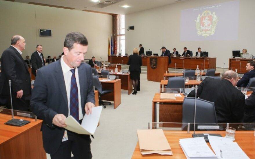 Vilniaus savivaldybė skolinga net už senukus