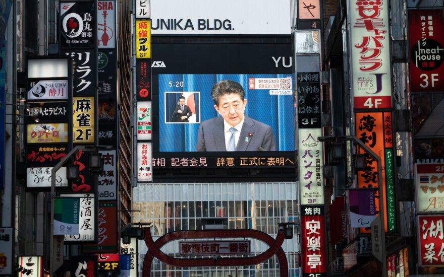 Shinzo Abe rugpjūčio 28 d. kreipėsi į japonus ir atsisakė ministro pirmininko pareigų