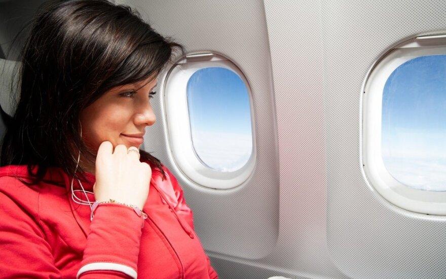 Laukia ilgas skrydis? Kristina Kruopienytė pataria, kaip atrodyti nepriekaištingai