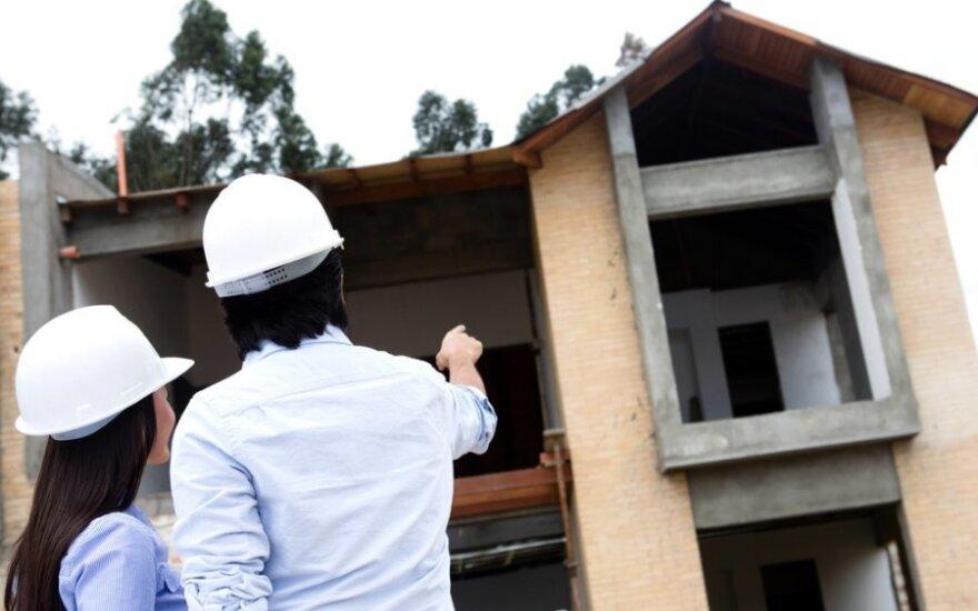Statybų inspektoriai ruošia pirtį statantiems namus