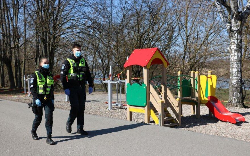 Apie karantino ir saviizoliacijos pažeidimus pranešimų sulaukiantys Kauno pareigūnai ir patys sulaukė žinios