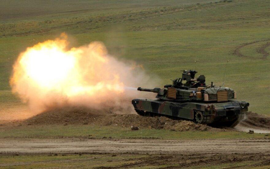 """M1A2 """"Abrams"""" tankas"""