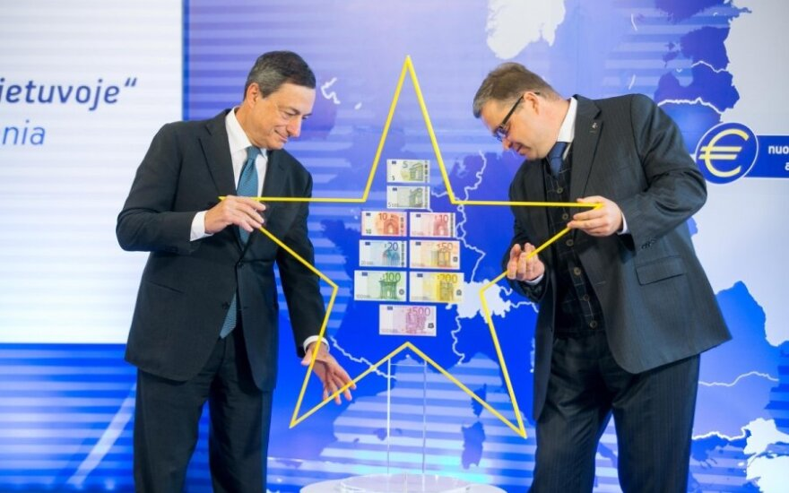 ECB President Mario Draghi and Bank of Lithuania Governor Vitas Vasiliauskas