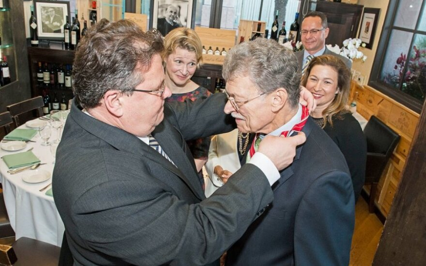 Foreign Minister Linkevicius awarding Lithuanian Diplomatic Star-to Dr. Richar Maullin  Photo Ludo Segers