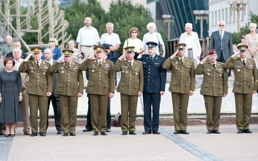 Lithuanian defence minister to be able to extend service time for professional soldiers