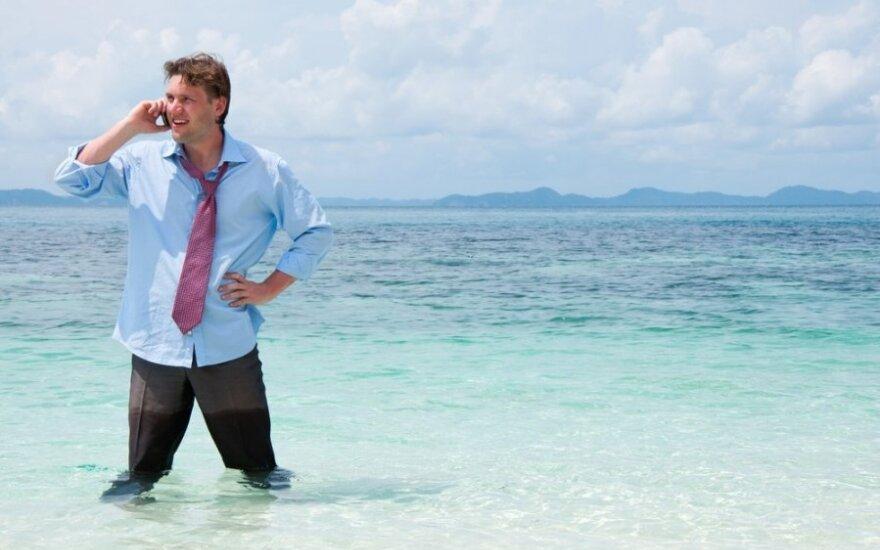 Patarimai keliautojams: ką daryti, kad telefonas nepadvigubintų kelionės išlaidų