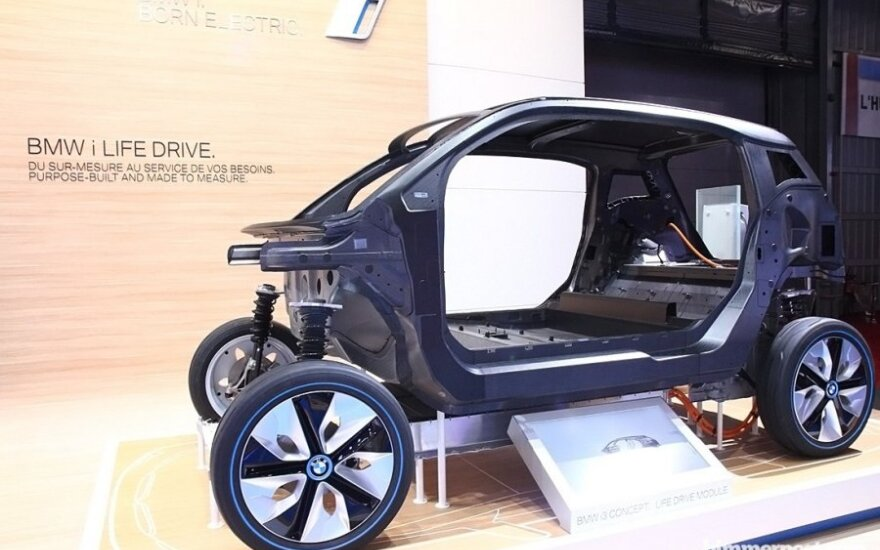 BMW naudos daugiau anglies pluošto