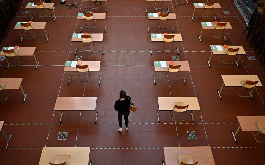 Vokietijos medikų organizacijos: reikia nedelsiant ir be apribojimų atidaryti vaikų darželius ir mokyklas