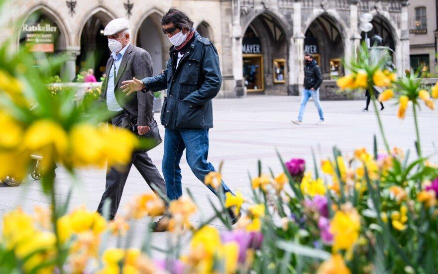 Koronavirusas: į Vokietiją grįžta futbolas, o Italija sieks susigrąžinti turistus