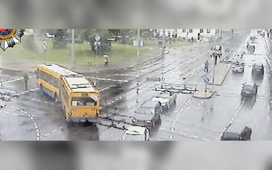 """Vilniuje ,,juodųjų dėmių"""" tris kartus daugiau nei šalies keliuose"""